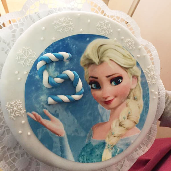 Eisprinzessin-Torte zum Kindergeburtstag