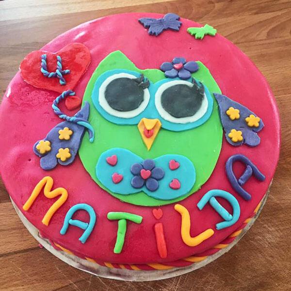 Kuchen mit Eulen-Motiv